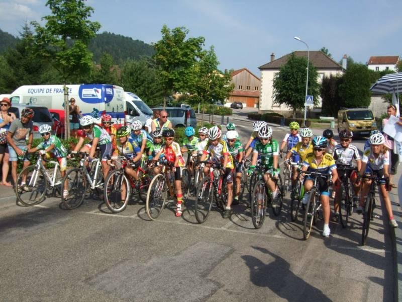 Au départ de l'épreuve du cyclo cross