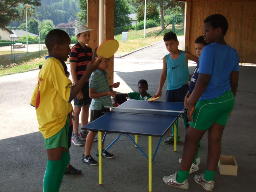 Des jeux collectifs s'offraient aux plus jeunes