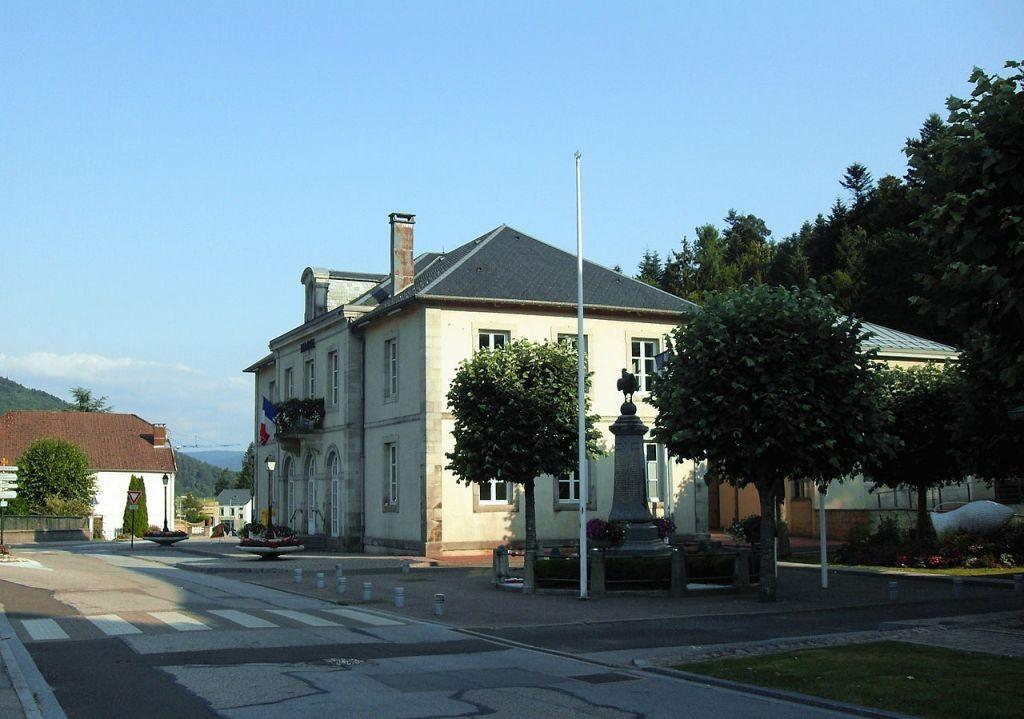 1280px-Saint-Nabord,_Mairie