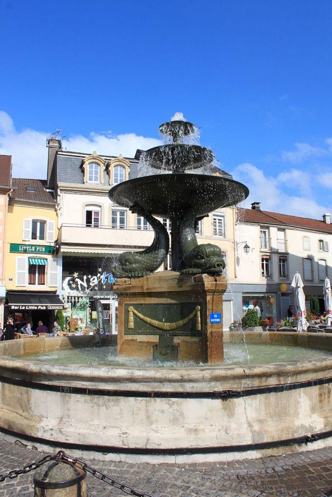 La fontaine des Dauphins