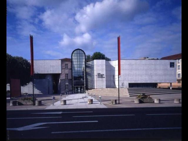 vue-exterieure-du-musee-de-jour---facade-nord_640