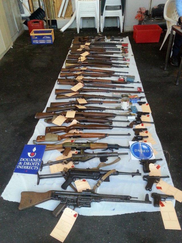 20151029-arsenal-armes-explosifs_1