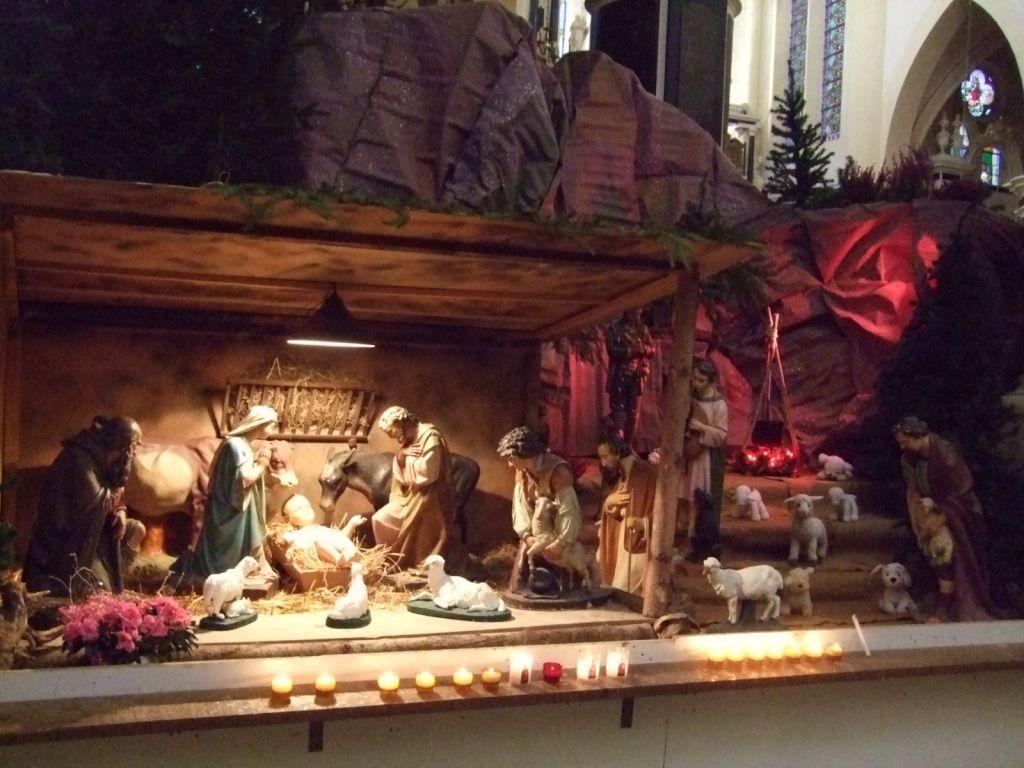 La crèche, à l'intérieur de l'Abbatiale autour d'un décor vosgien