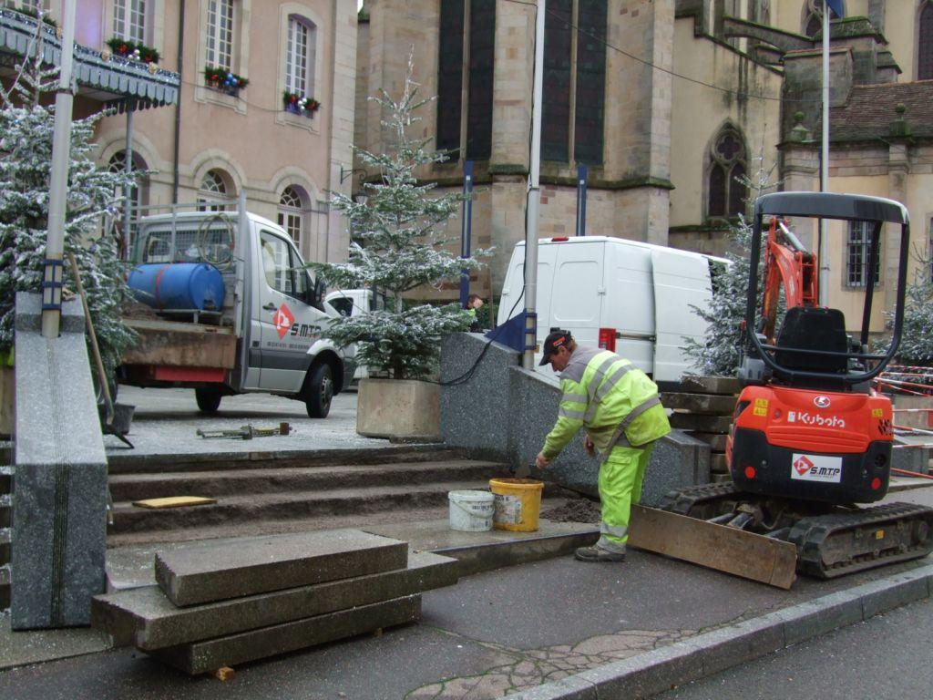 L'entreprise Sampietro Mickaël a débuté cette semaine les ouvrages concernant les blocs de marches