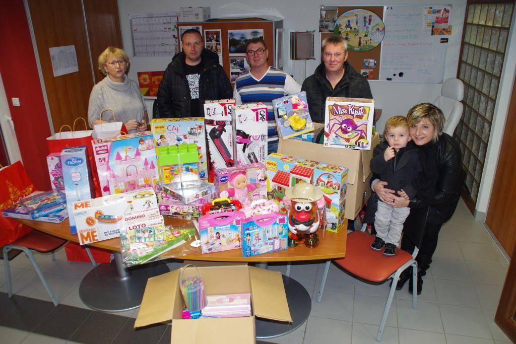 Plus de 1.000 € de cadeaux ont été déposés à la Maison de Parents à Vandoeuvre