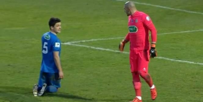 Stéphane Ruffier a chambré Wilfried Rother après avoir arrêté son penalty. (D.R).