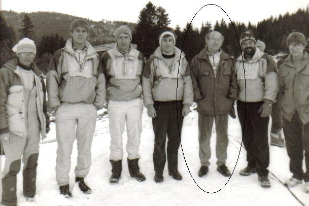 Jean-Luc Griesser (en entouré) avec les responsables du saut vosgien de la fin des années 1980.