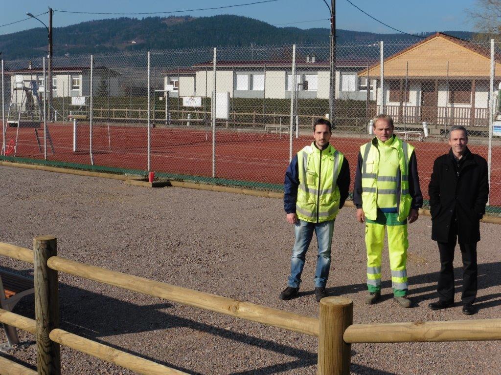 Les agents du service technique et Yannick Piquée, adjoint au maire en charge des travaux