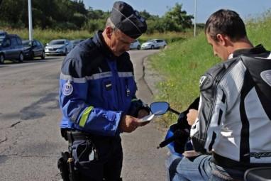 Gendarmes-Contrex-1