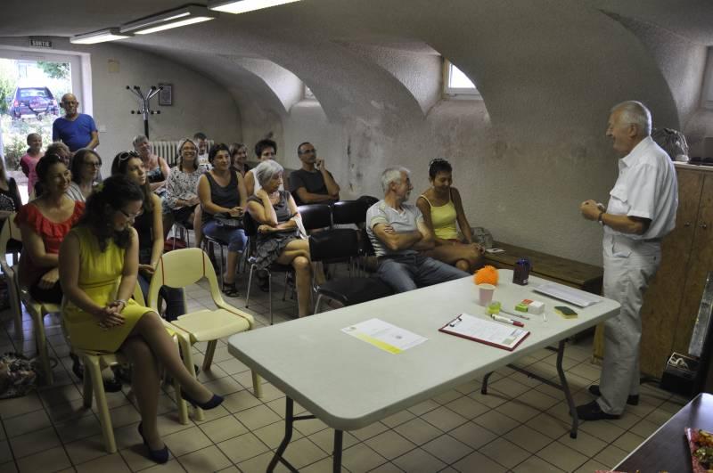 La réunion s'est tenue dans la salle mise à disposition de la commune de Ramonchamp. C'est également là que se tiendront les cours collectifs.