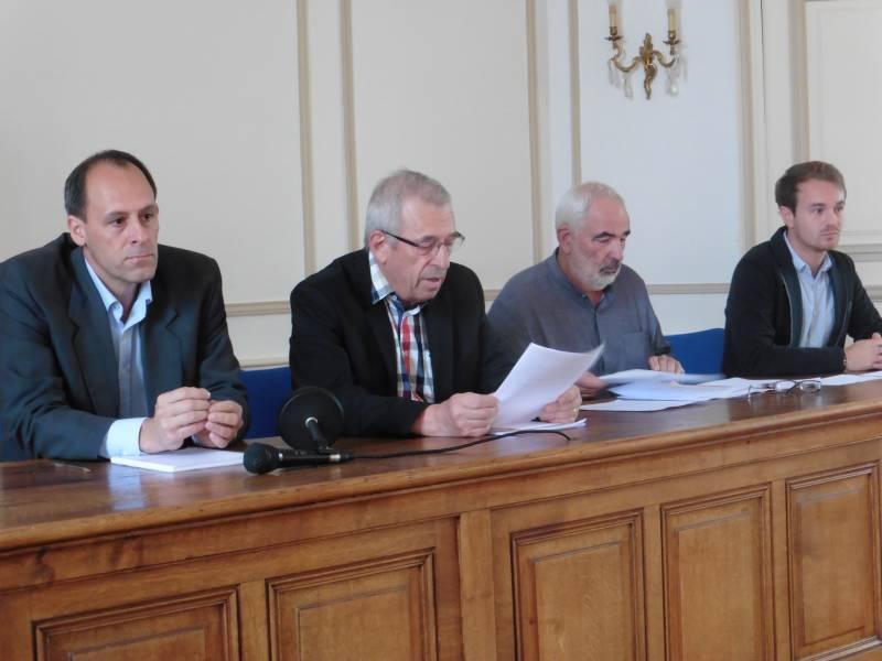 Bernard Godfroy a tenu une conférence de presse aux côtés de Mickaël Marie-Saint-Germain, Christian Schulmeyer et Alexandre Schild.