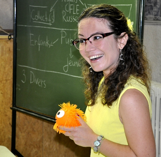 Anna a présenté Jack, un de ses assistants pour les cours enfants.