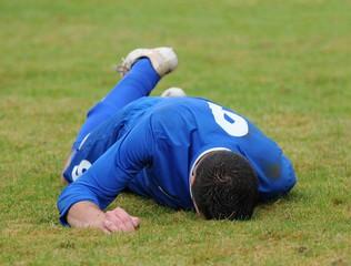 footballeur blessé