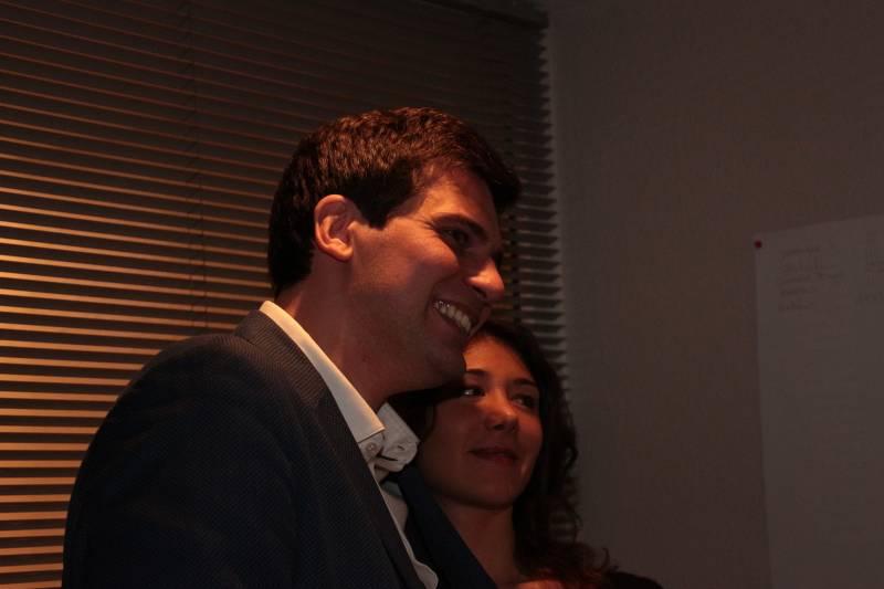 Jean Hingray avec Victoria, sa fiancée.