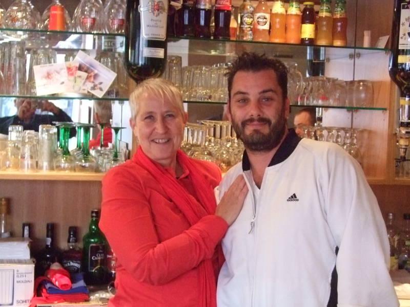 Angèle Bombeeck succède à Ludovic Paquereau au bar de l'Est