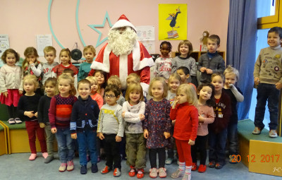 14 Pere Noel et les enfants