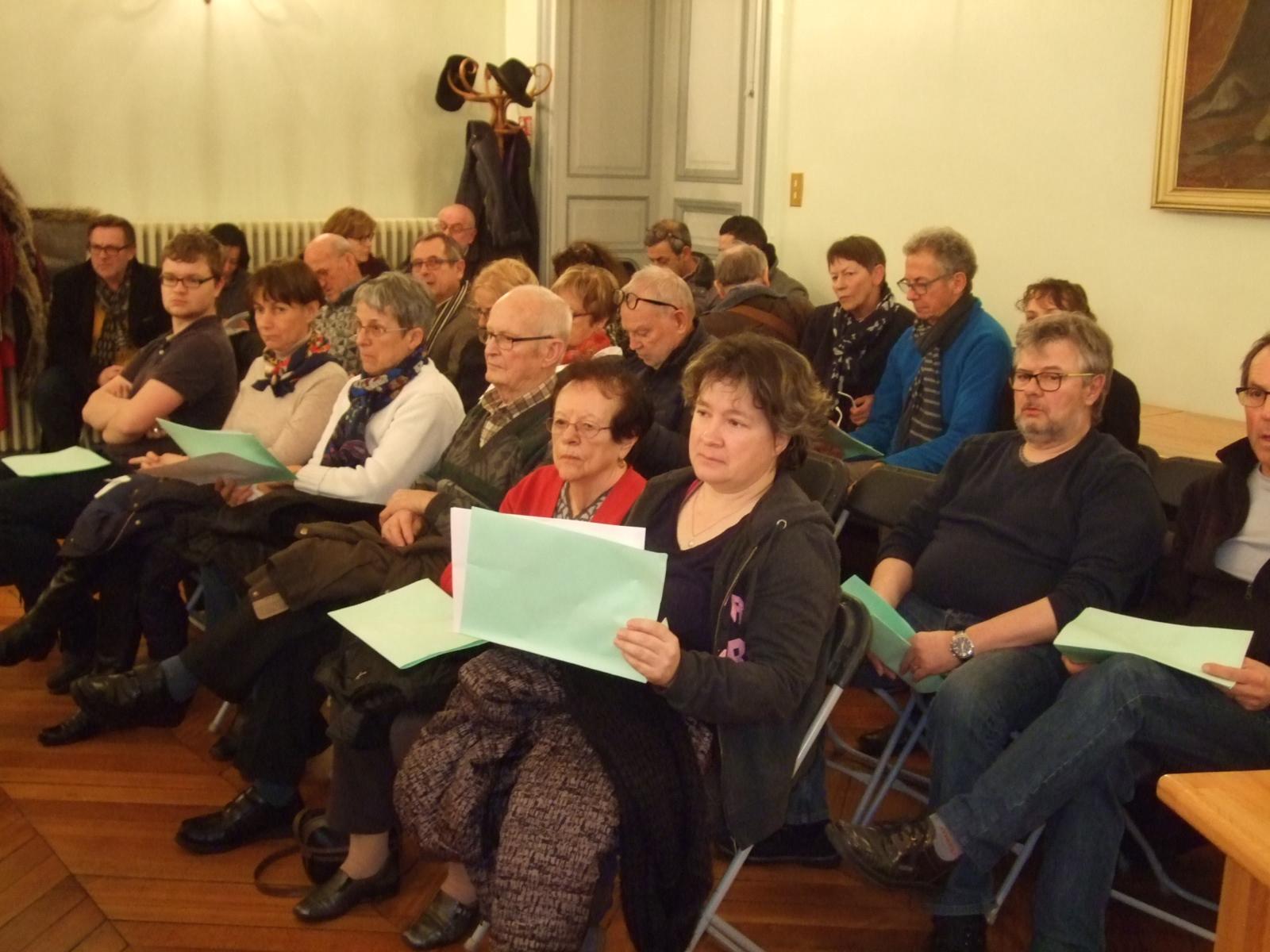 Le public a pu prendre connaissance des croquis du projet