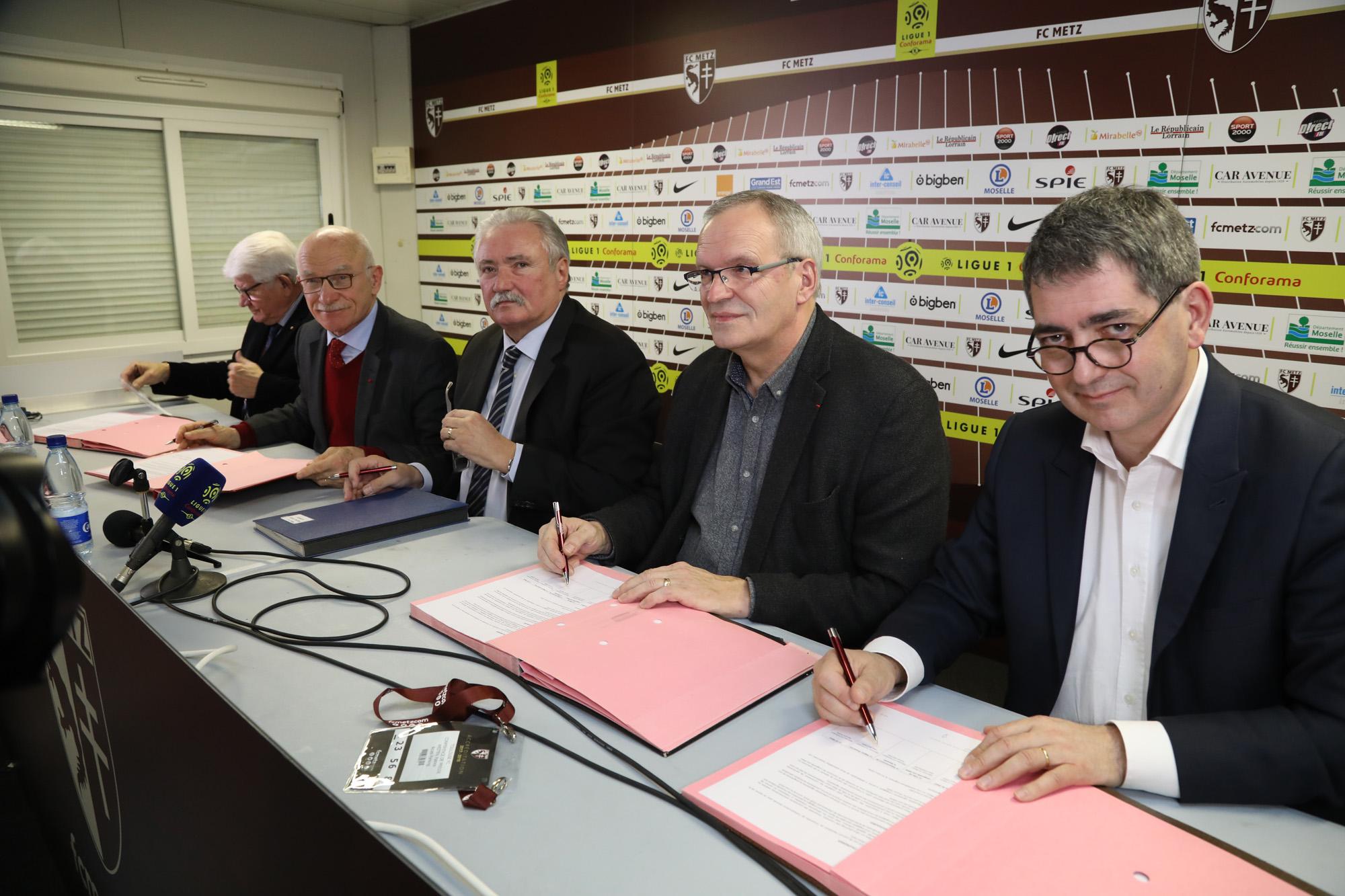 Conférence de presse_Tribune Sud stade Saint-Symphorien_2