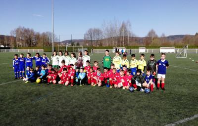 Pendant que les U7 étaient au plateau d'Eloyes, quatre 4 équipes U9 du FCRSE ont accueilli au Bois des Petits leurs petits homologues de Dommartin, Plombières-les-Bains, Le Val-d'Ajol et Saint-Nabord.