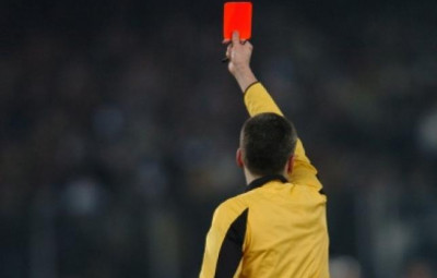 carton-rouge-arbitre-football-sport