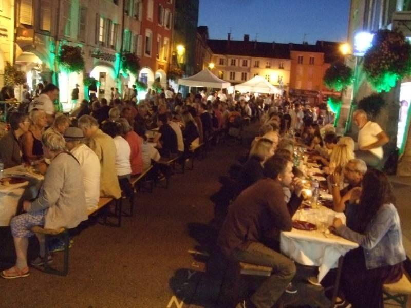 Le traditionnel repas des commerçants est ouvert à leurs clients (photo d'archives)