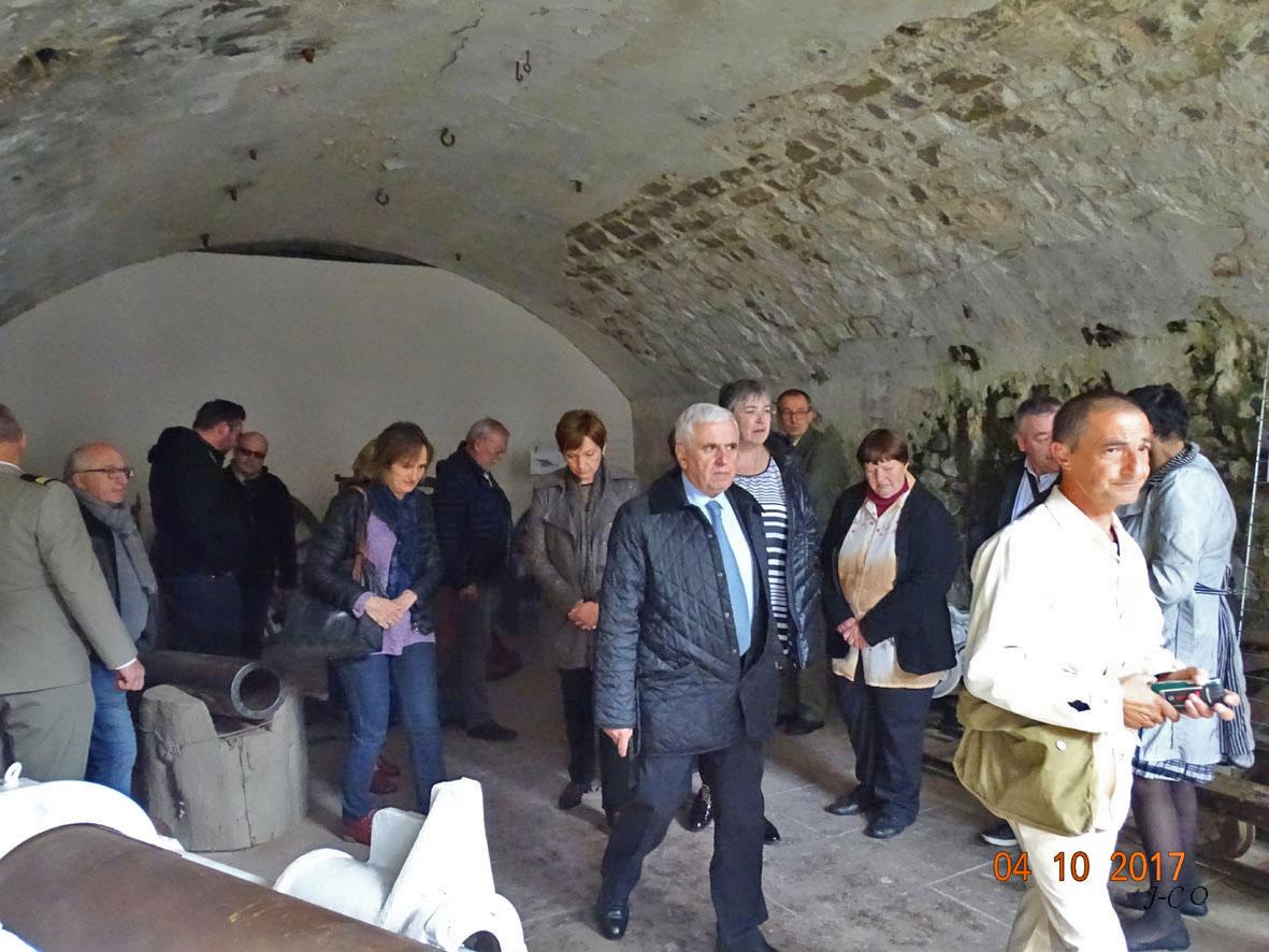 La visite du Fort par les invités le 4 octobre 2017 (photo Jean-Claude Olczyk)