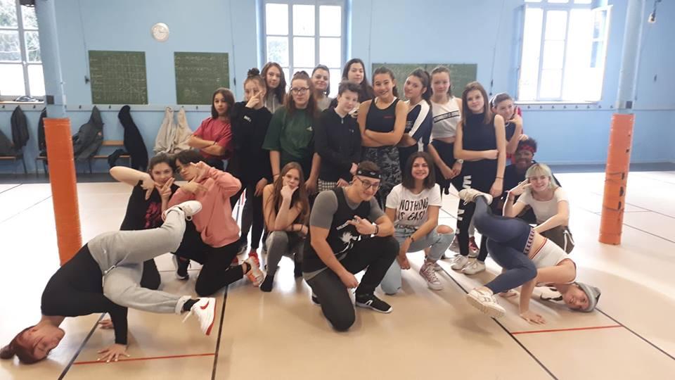 Le groupe des L.F.D. de la Danse Moderne Académy