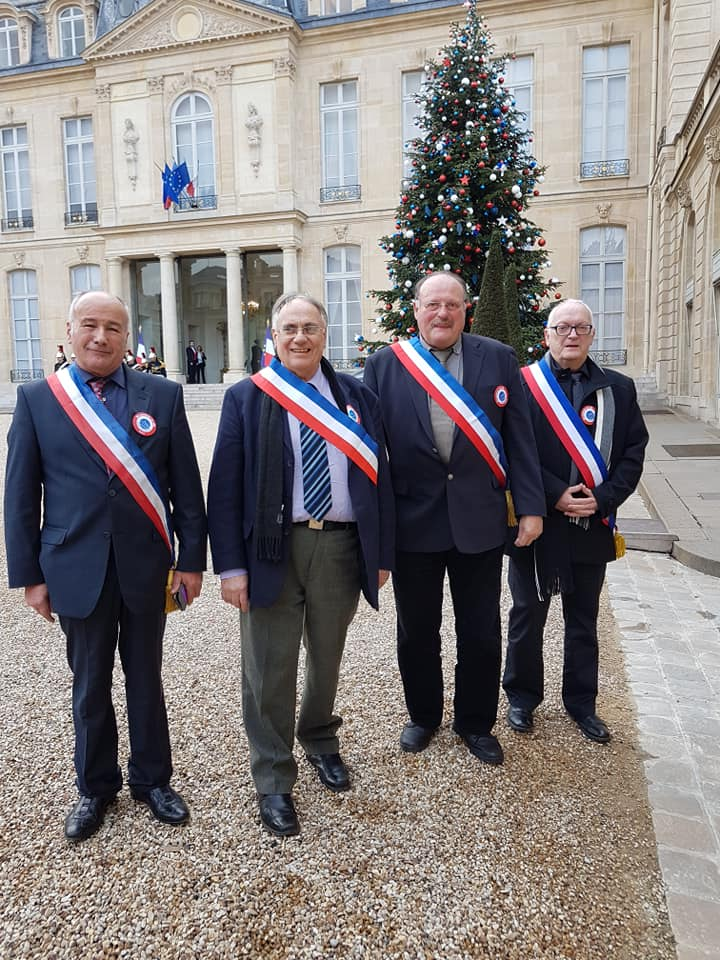 4 maires
