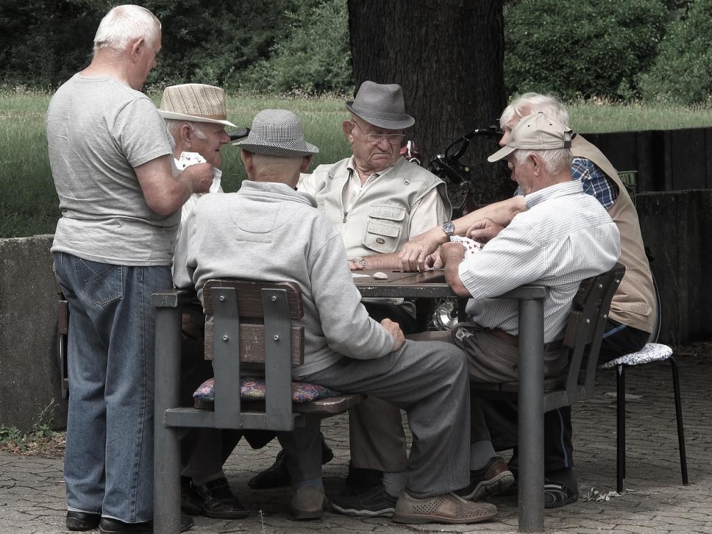pensioners-2500846_1280