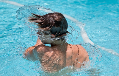 swimming-1925391_1280