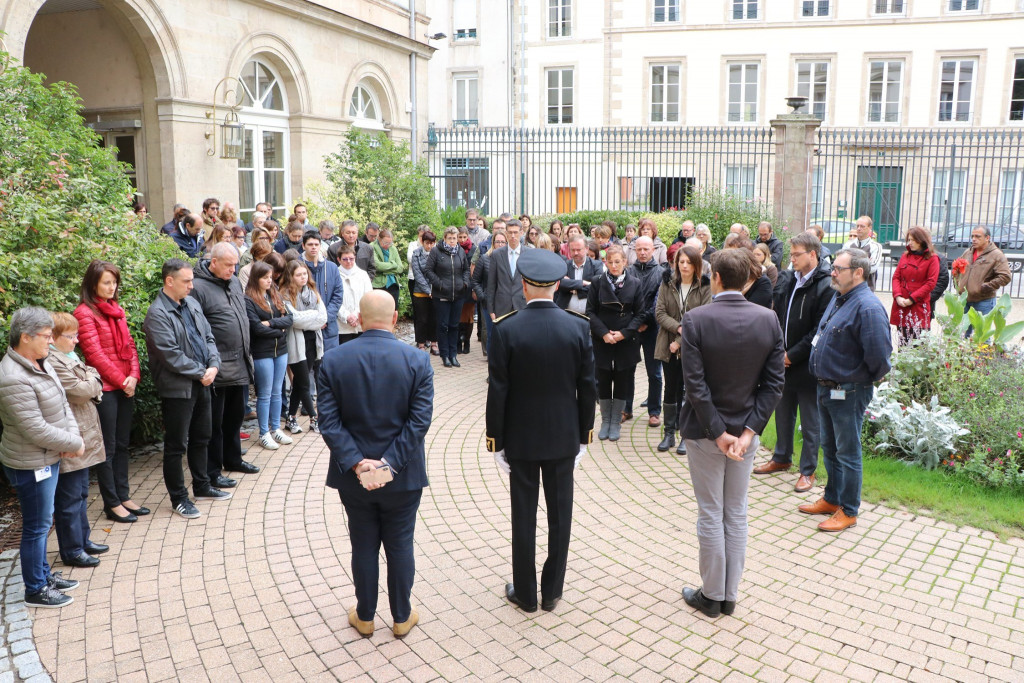 minute-silence-prefecture-vosges