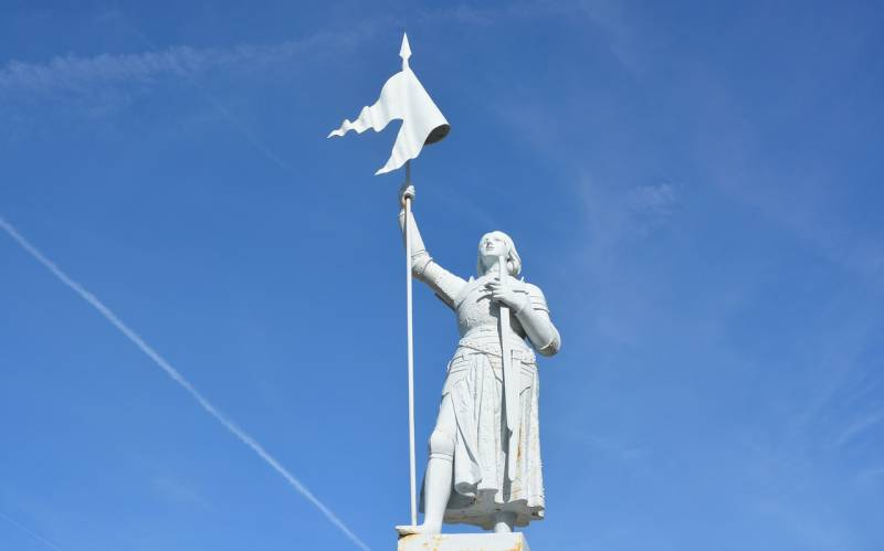 statue-of-joan-of-arc-2831992_1280