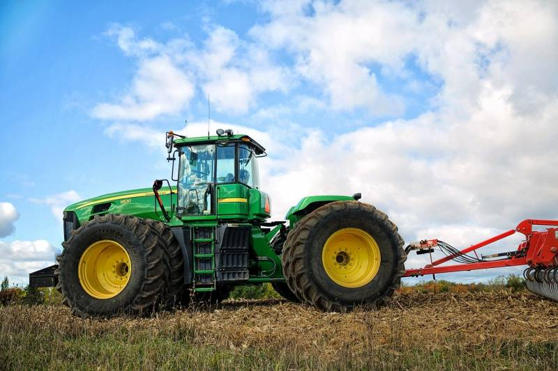 tractor-1815232_1280
