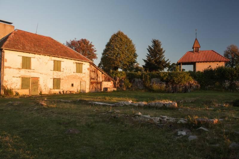 Site_archeologique_du_Saint-Mont-1024x6831-1024x683